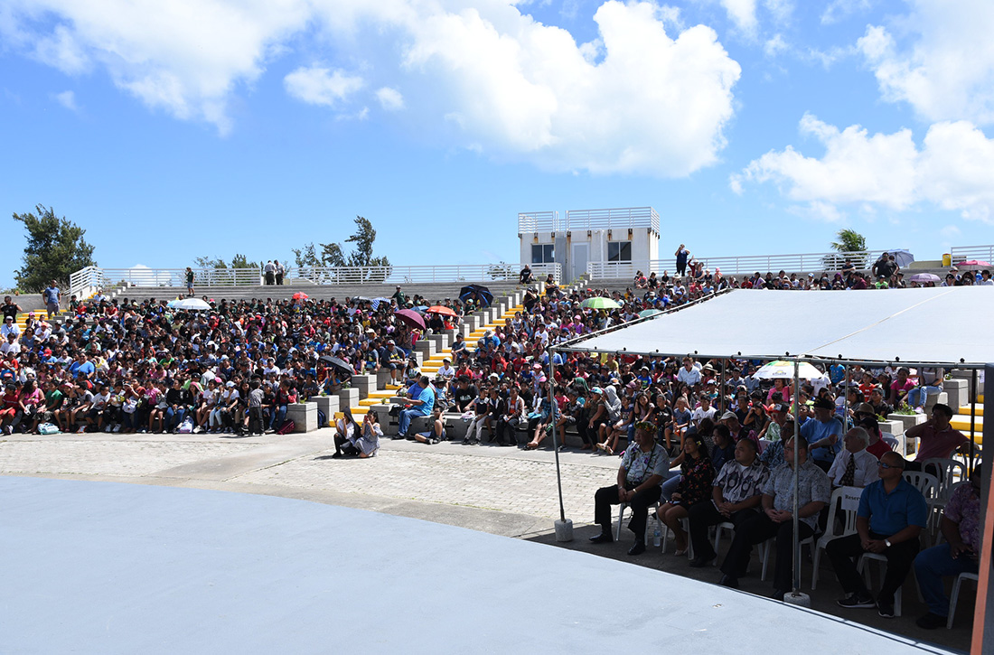 A crowd of 1,200 people attended the ceremonial launch for the American Memorial Park quarter.